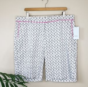 NWT Lady Hagen | Yate Bermuda Golf Shorts